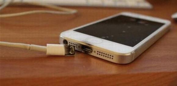 điện thoại, cách đút điện thoại vào túi quần, đút điện thoại vào túi quần