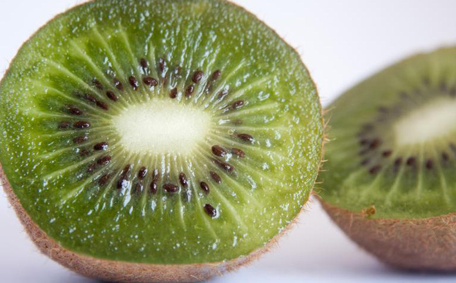 kiwi-1500266969007-35-0-512-767-crop-1500266974978