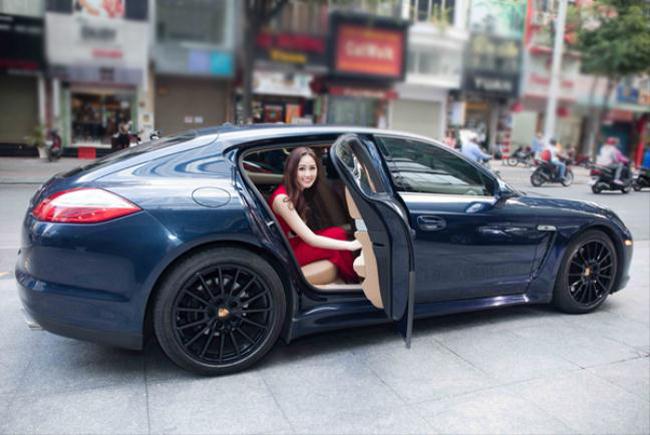 30 tuổi, Mai Phương Thúy giàu cỡ nào, tiền kiếm từ đâu để mua bảo hiểm 20 tỷ?
