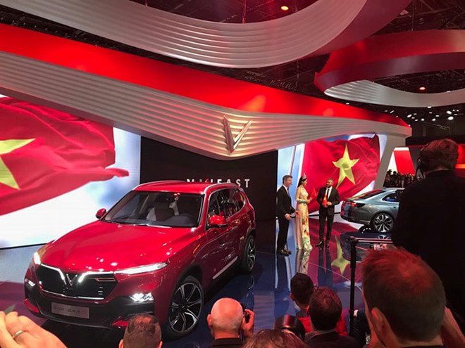 Trực tiếp: Sự kiện ra mắt hai mẫu xe Vinfast tại Paris Motor Show 2018