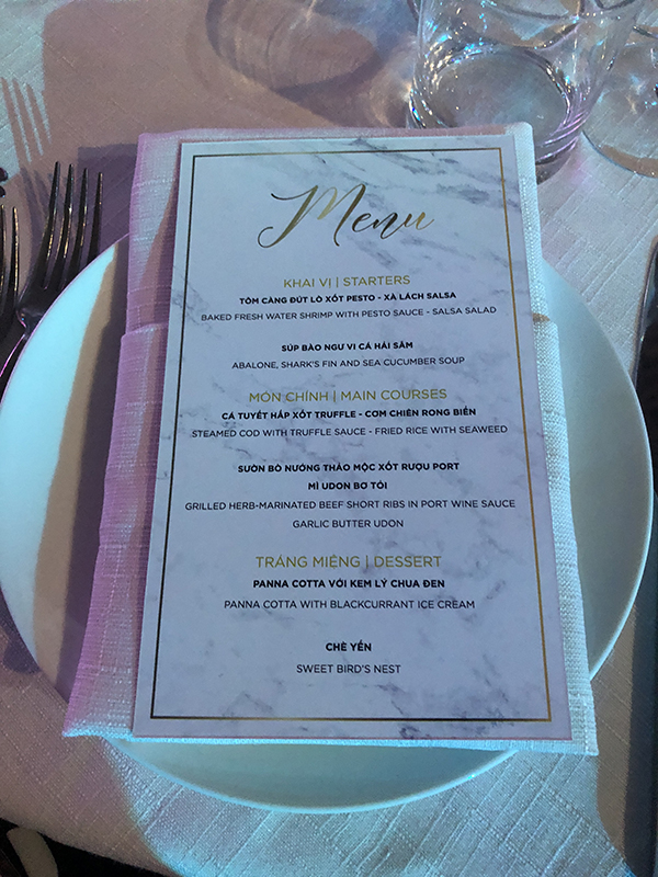 lan khuê, John Tuấn Nguyễn, thực đơn đám cưới