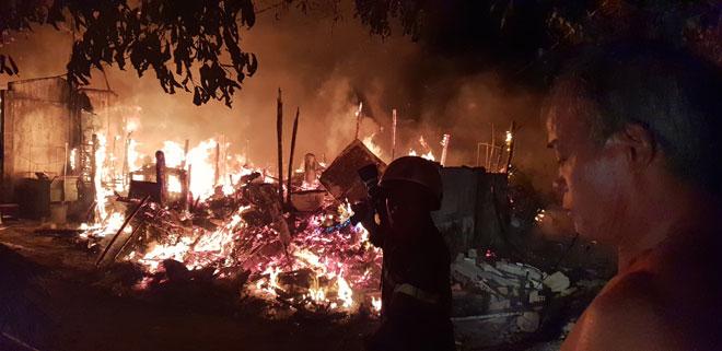 cháy lớn, chạy cạnh làng SOS, Gò Vấp