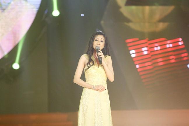 Chân dung nữ ca sĩ khiến Hoài Linh yêu thầm, Đàm Vĩnh Hưng trả cát-xê 1 tỷ - Ảnh 5.