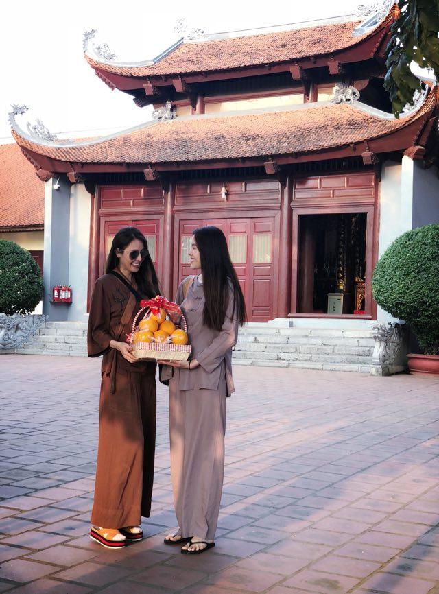 Nam Em, Quế Vân, sao Việt