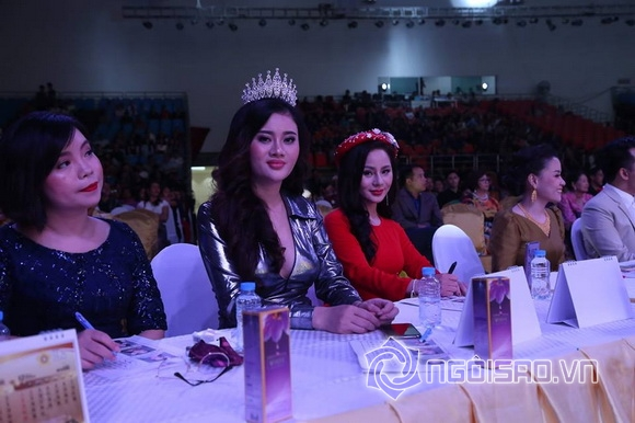 Doanh nhân nga nguyễn, Hoa hậu du lịch Lào, sao việt