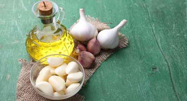tỏi làm dầu gội, tác dụng của tỏi, rụng tóc