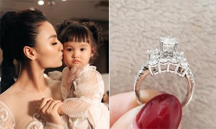 Hồng Quế,  nhẫn kim cương