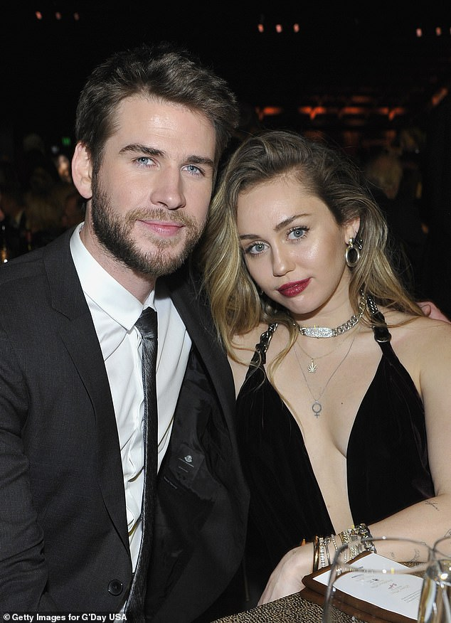 miley cyrus. liam hemsworth, sao hollywood