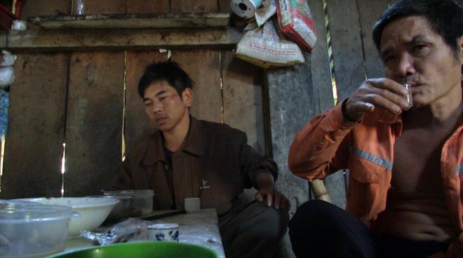Kỳ lạ bản nát - Nơi đàn ông uống rượu thay cơm, say sưa tối ngày