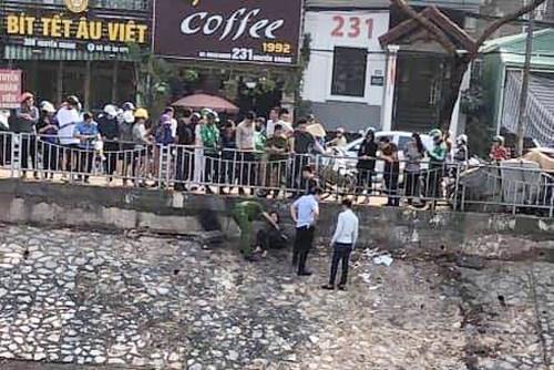 Cô gái nhảy sông Tô Lịch, rồi lại... ngoi đầu lên vì hôi thối