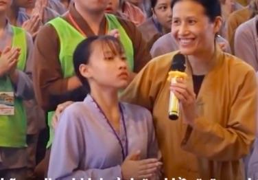Cô gái co giật trong các clip vong nhập ở chùa Ba Vàng nói gì?
