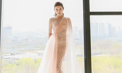 Huyền My diện váy dạ hội 'nàng tiên cá' lộng lẫy dự sự kiện ở Hàn Quốc