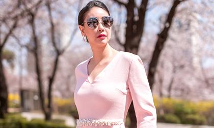 Hoa hậu Hà Kiều Anh trẻ trung, khoe dáng thon gọn ở Hàn Quốc