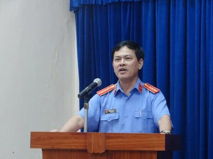 NÓNG: Chính thức khởi tố, bắt tạm giam ông Nguyễn Hữu Linh vụ sàm sỡ bé gái trong thang máy - Ảnh 2.