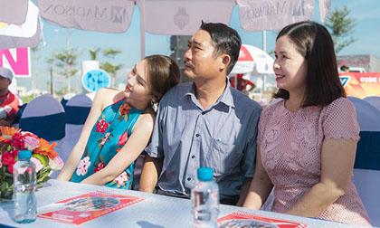 Sau tai nạn, bố Hoa hậu Tường Linh đến cổ vũ con gái ở quê nhà