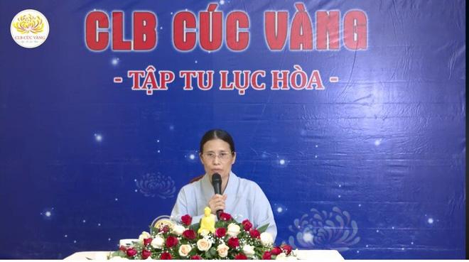 Bà Phạm Thị Yến lại đăng đàn thuyết giảng, chưa lên xin lỗi nhà nữ sinh giao gà