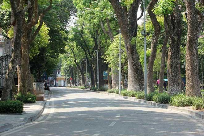 Hà Nội gần 60 độ nóng như đổ lửa, phố đi bộ vắng hơn ngày Tết - 7