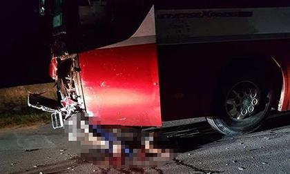 Mượn xe máy bố mẹ đi chơi, 2 học sinh lớp 8 thiệt mạng sau cú tông xe khách