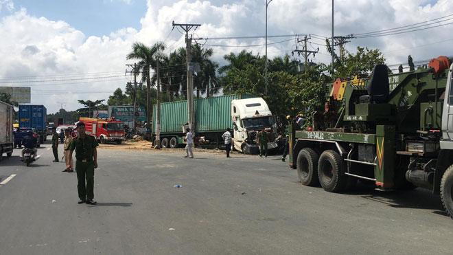 Vụ tai nạn thảm khốc ở Tây Ninh 5 người tử vong: 4 nạn nhân trong cùng gia đình - 4