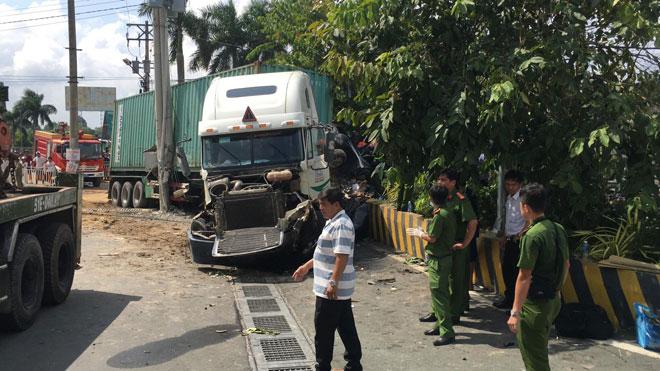 Vụ tai nạn thảm khốc ở Tây Ninh 5 người tử vong: 4 nạn nhân trong cùng gia đình - 3
