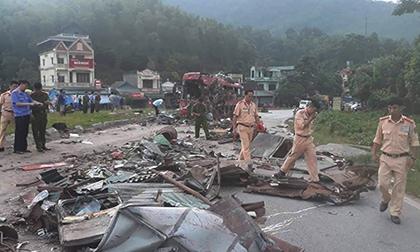 Phó Thủ tướng chỉ đạo khẩn vụ xe tải tông xe khách giường nằm ở Hoà Bình, 41 người thương vong