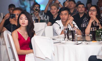 Cùng dự đám cưới Cris Phan nhưng Văn Đức và Ngọc Nữ lại 'ngó lơ' nhau rộ nghi án chia tay