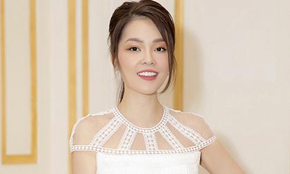 Dương Cẩm Lynh bất ngờ mặc váy cưới, khoe sắc vóc đẹp ngỡ ngàng