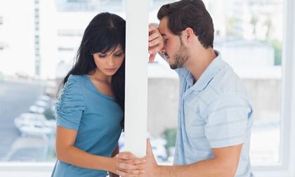 Nhìn thấy khuôn mặt đã tẩy trang của vợ sau đám cưới, tôi kinh ngạc không thốt thành lời, càng choáng hơn với câu trả lời hờ hững của cô ấy