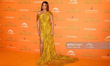 Beyonce khiến cả thế giới 'nín thở' với chiếc đầm xẻ tít đến tận hông, và đó là sáng tạo của NTK Công Trí!