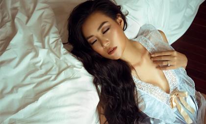 Diễn viên Thanh Hương táo bạo chào bình minh bên giường ngủ cực bỏng mắt