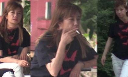 """Suốt ngày phì phèo thuốc lá, diện mạo của """"Én nhỏ"""" Triệu Vy ngày càng xuống cấp"""