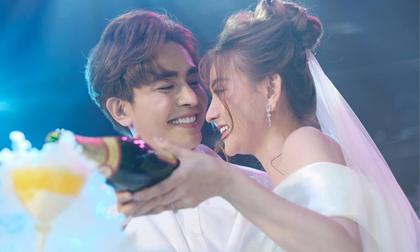 Thu Thủy và chồng trẻ nhắn lời ngôn tình cho nhau sau đám cưới