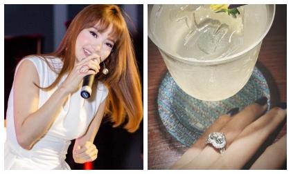 Fan vừa mới mừng vì Minh Hằng đeo nhẫn vị trí đính hôn nhưng sự thật lại bất ngờ