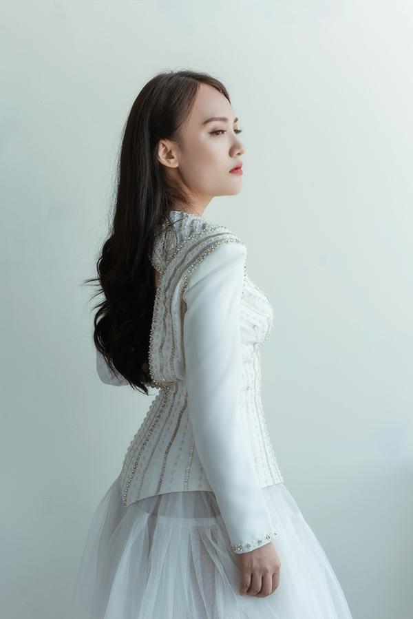 img-1886-ngoisao.vn-w600-h899 3