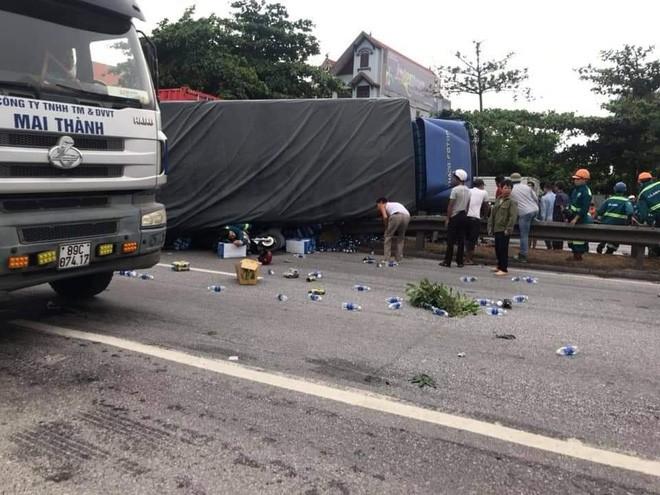 Ảnh: Hiện trường đầy ám ảnh vụ tai nạn khiến ít nhất 6 người tử vong tại Hải Dương - 1