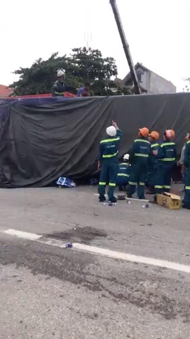 Ảnh: Hiện trường đầy ám ảnh vụ tai nạn khiến ít nhất 6 người tử vong tại Hải Dương - 6