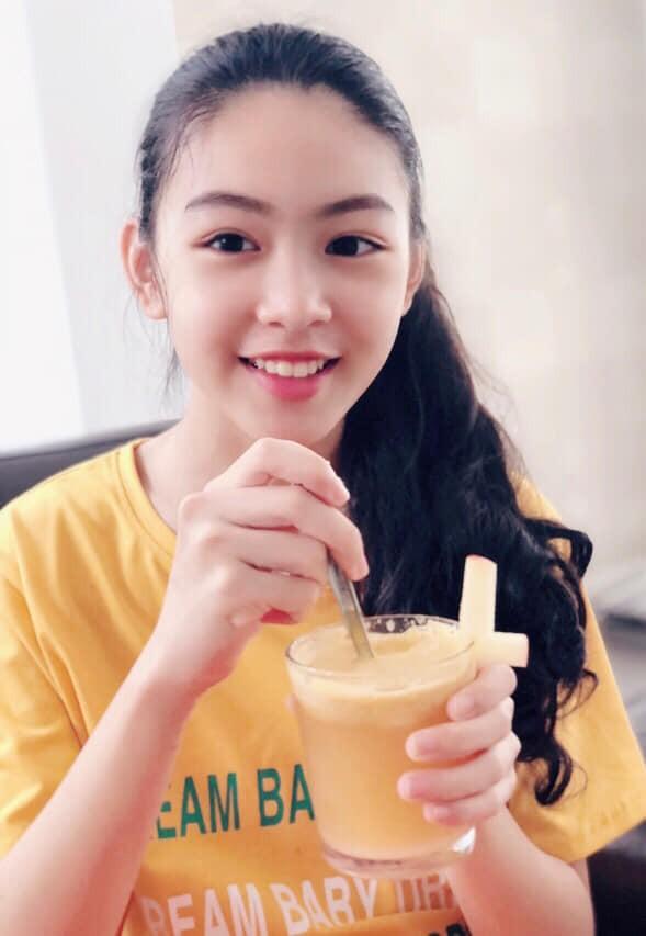 'Công chúa' 14 tuổi nhà Quyền Linh thả dáng với bikini, ai cũng tấm tắc khen dáng vóc như Hoa hậu tương lai - 3