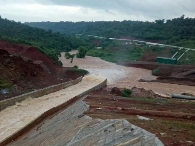 Nguy cơ vỡ hồ thuỷ điện Đắk Kar, hàng nghìn hộ dân phải sơ tán khẩn cấp - 1