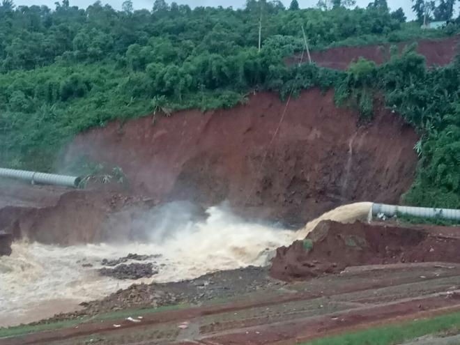 Nguy cơ vỡ hồ thuỷ điện Đắk Kar, hàng nghìn hộ dân phải sơ tán khẩn cấp - 2