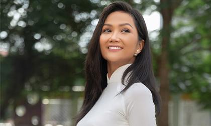 Diện áo dài trắng tinh khôi, Hoa hậu H'Hen Niê khiến fan 'thổn thức'