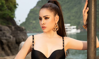 Thư Dung diện bikini khoe thân hình bốc lửa tại Hạ Long