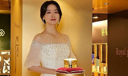 Ngấp nghé 50, Lee Young Ae xuất hiện với nhan sắc không tì vết, thần thái đỉnh cao ai cũng ngước nhìn