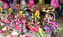 Hoa tươi, quà tặng tiết kiệm hút khách ngày 20/11