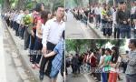 Đoàn người đứng dài hàng cây số chờ viếng Đại tướng Võ Nguyên Giáp