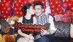 Bạn gái hot girl hôn Quang Hà đắm đuối