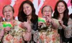 'Hạ Tử Vy' - Lâm Tâm Như cười tít mắt khi tái ngộ 'Dung Ma Ma'