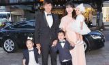 Vợ Lý Hải 'bế' bụng bầu 5 tháng đi xem phim cùng chồng con