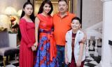 Mai Thu Huyền hạnh phúc khoe ảnh gia đình kỉ niệm 14 năm ngày cưới