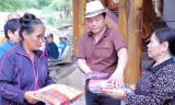 Ca sĩ Gia Huy đem yêu thương đến với người dân Khánh Hòa