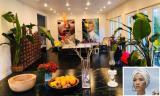 Ngắm không gian nhà đầy sắc màu của người mẫu Bằng Lăng ở Mỹ